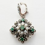 Silver emerald and pearl enhancer