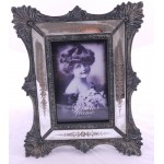 New on Vintage Style Picture Frame